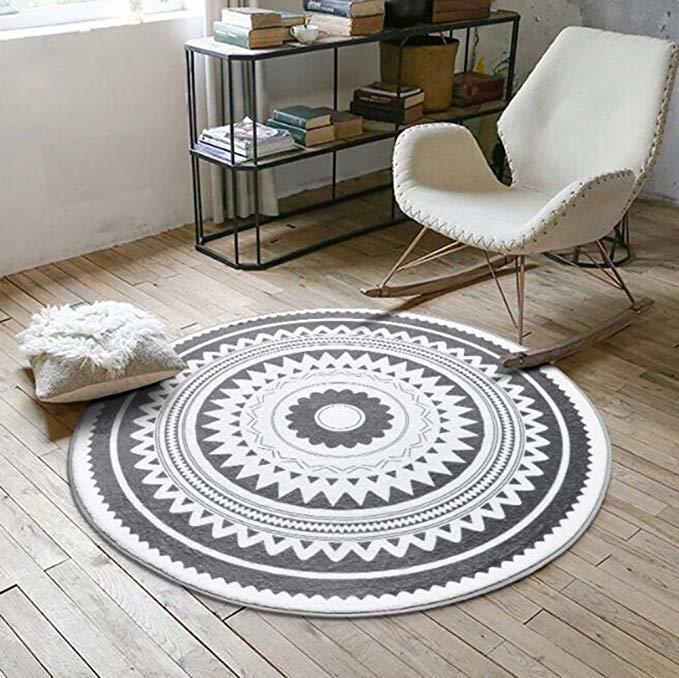 Стильные круглые коврики разных размеров -