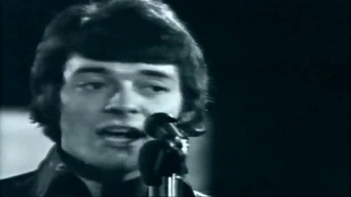 The Hollies - Bus Stop (1966)