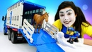 Мегащенки и Клоун на ферме. Видео про игрушки машинки и животных. Ищем Грузовик для лошадей!