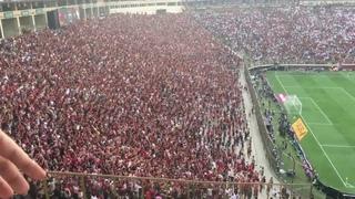 Torcida Flamengo celebra segundo gol en final Copa Libertadores 2019