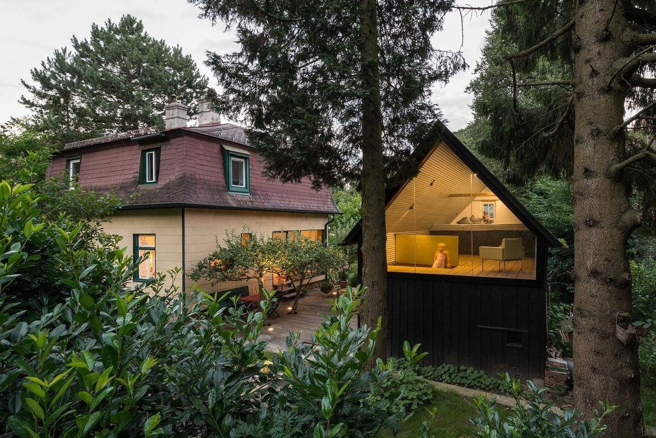Side Surprise 10 Enchanted Garden Sheds That Blend Architecture With the Great Outdoors