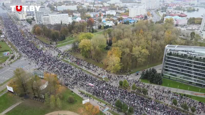 По этому видео с квадрокоптера можно оценить масштаб сегодняшнего протеста в Минске