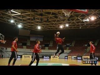 """Футболисты """"Баварии"""" играют в баскетбол!"""