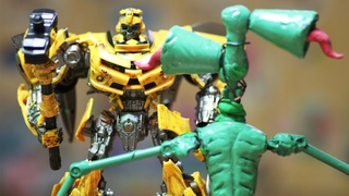 Bumblebee VS Siren Head - Transformers stop motion movie truck toys & Lego robots!