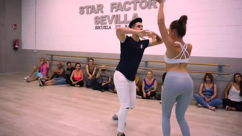 Cristian y Gabriella Bachata Sensual Dawin as long as you love me Star Factory Sevilla
