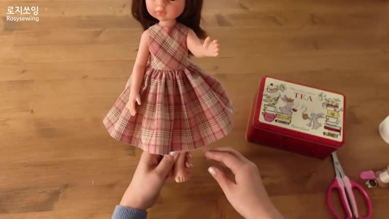 Dolls clothes No lining sleeveless dress making