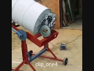 Классный пример самодельной бетономешалки