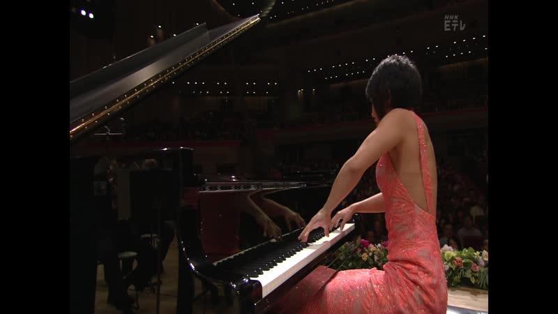 Yuja Wang: Chopin Piano Concerto 2 Michael Tilson Thomas San Francisco Symphony NHK Hall Tokyo 22.11.16