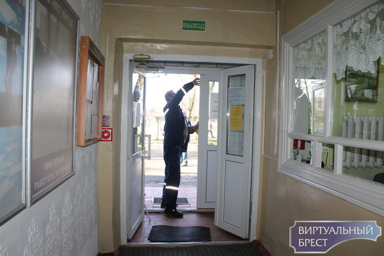 Из общежития педагогического университета (как бы) эвакуировали 50 человек