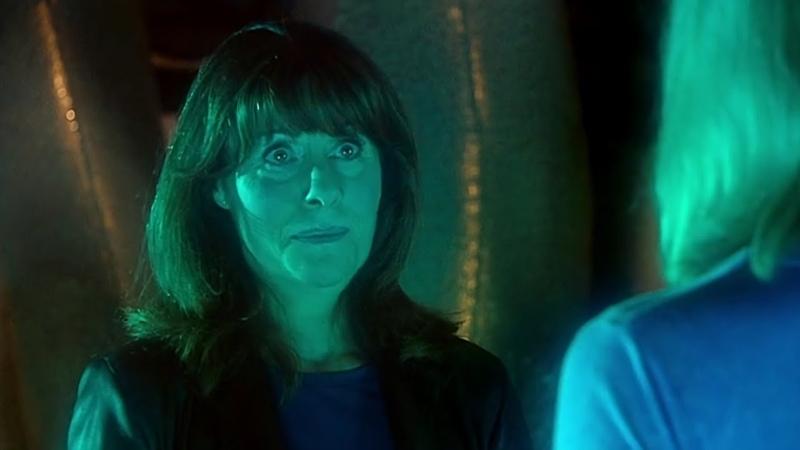 Сара Джейн заходит в ТАРДИС Встреча в Школе Доктор Кто