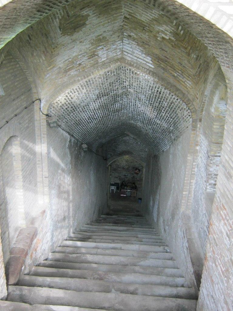 подземный резервуар в Казвине