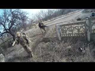 Сотрудники ЦСН ФСБ РФ во время антиснайперских мероприятий на территории Луганской народной республики