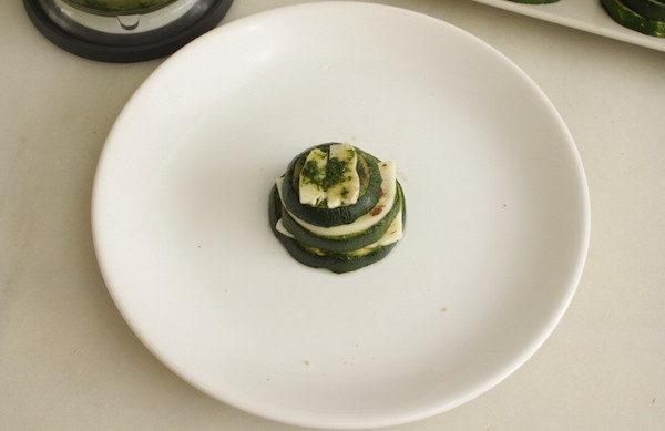 Запеченные кабачки с сыром и миндалем, изображение №12