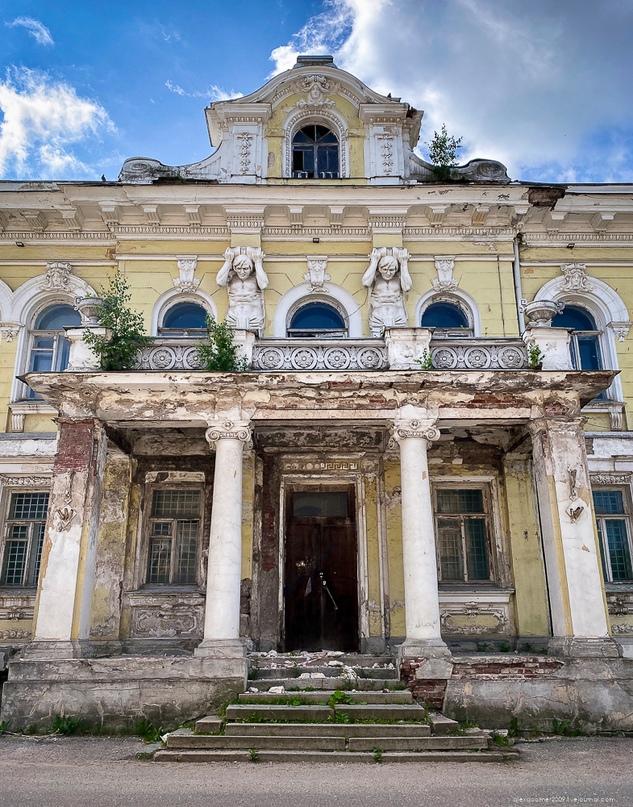 Заброшенный старинный особняк в глубинке Тверской области 🗝🏛🥀