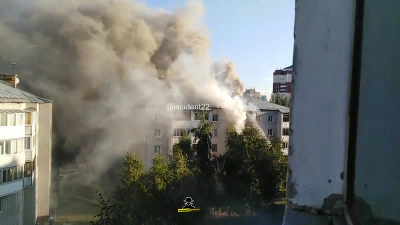В доме по адресу Северный Власихинский 60 загорелась квартира на пятом этаже (Инцидент Барнаул)