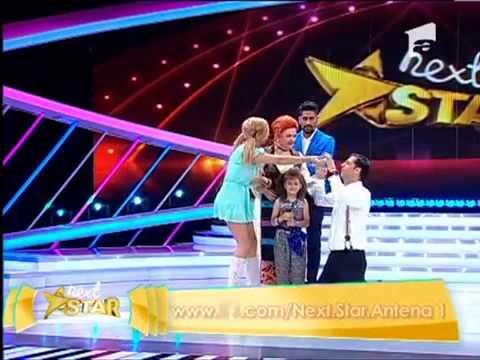 ConnectR scoate carnetelul si ia notite Micuta Alexia canta Munky Funky NextStar Romania 16 mai 2013