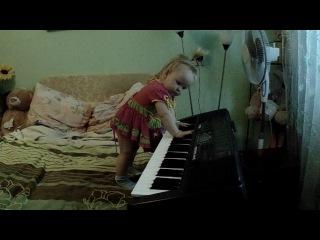 юный пианист))))