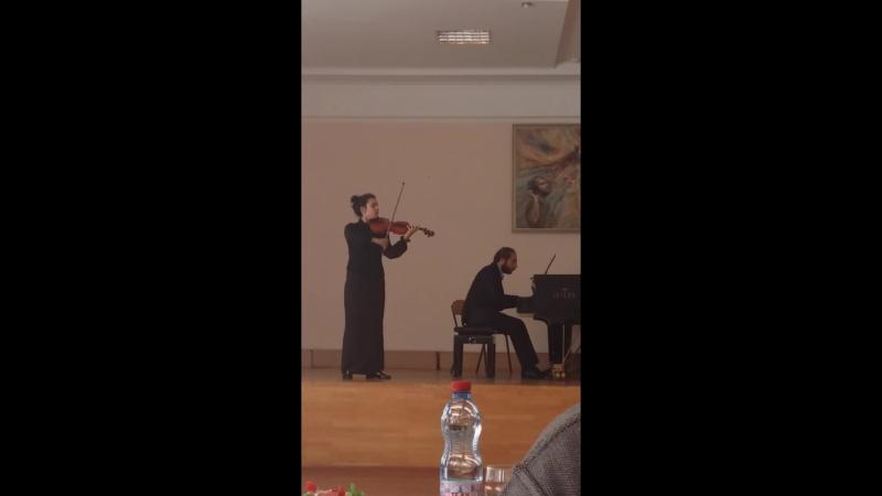 Яна Гадоева Винявский концерт № 2 2 часть Брамс