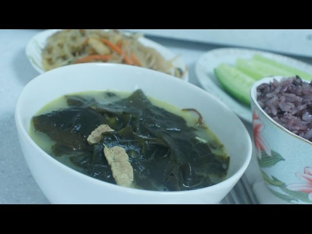 Миёк-кук - суп из морской капусты