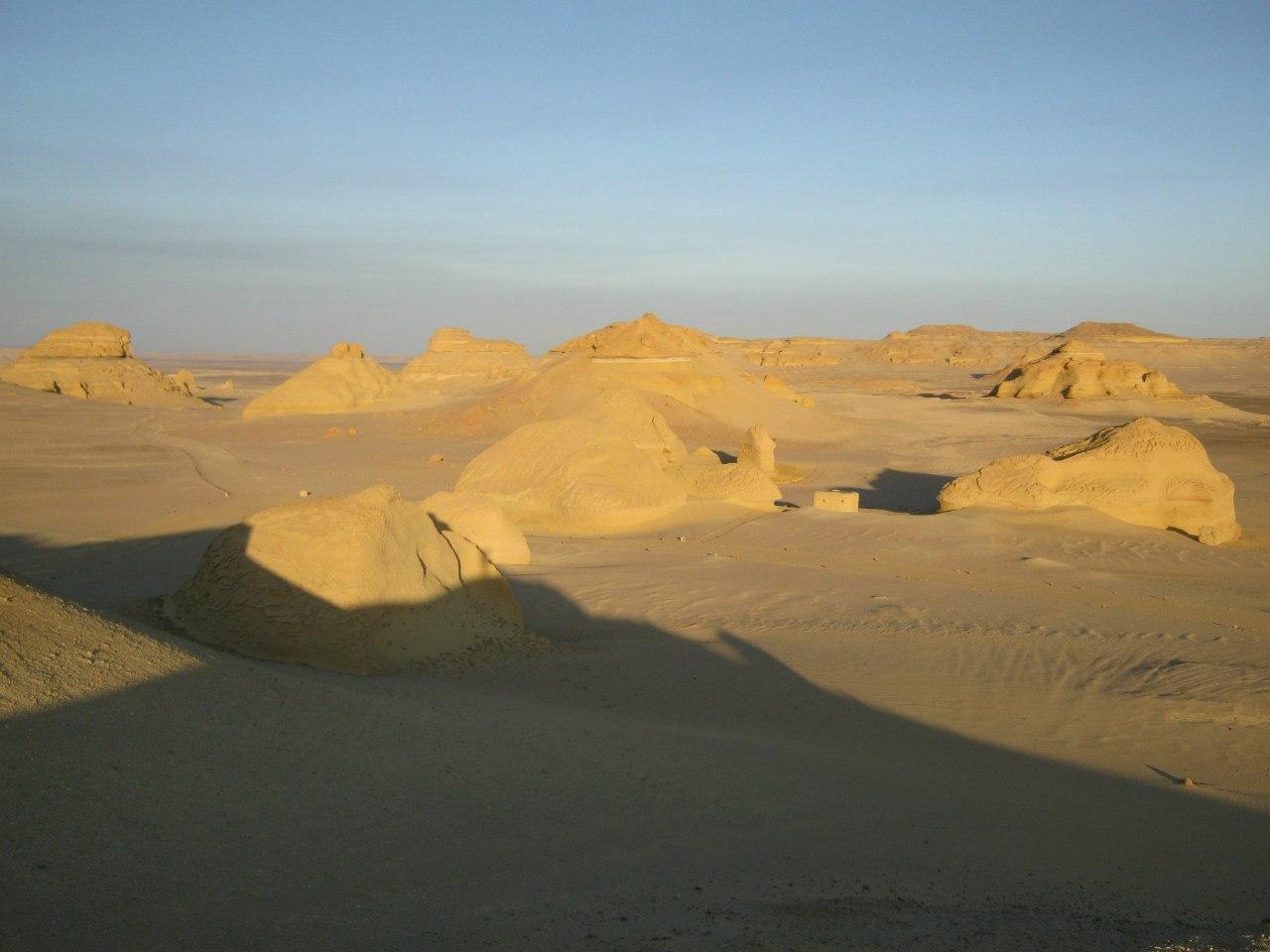 пустынная картина типична для Египта
