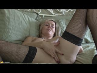Velvet Skye (48)