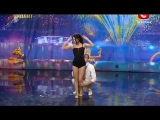 Incredibly talented dancers on ukraines got talent. невероятно!