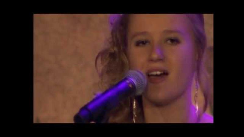 Laura van Kaam (15j.) Cover Lost van Anouk