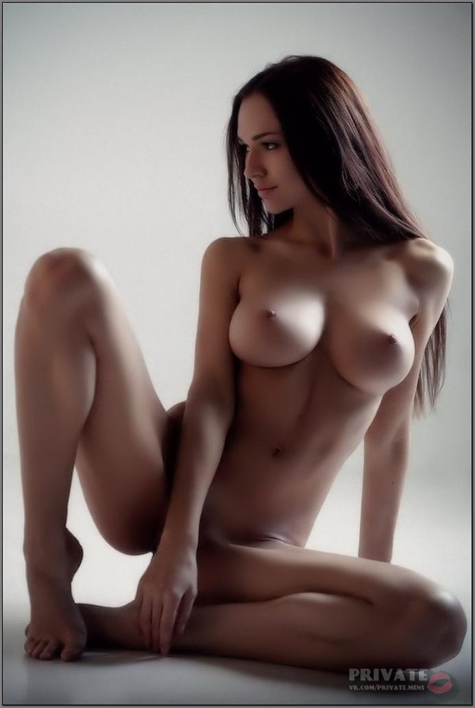Free girls stripping naked videos