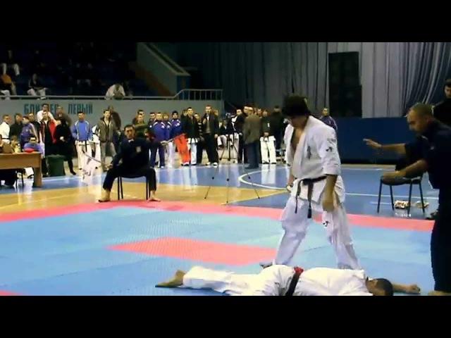 Knockout tobi mawashi geri by Tariel Nikoleishvili (Тариел Николеишвили)