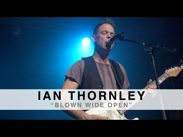 BLOWN WIDE OPEN performed by IAN THORNLEY at the Suhr 2014 Factory Party