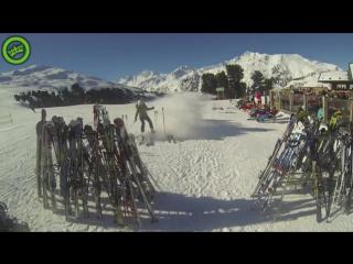 Even je skis wegzetten hoe het niet moet skii