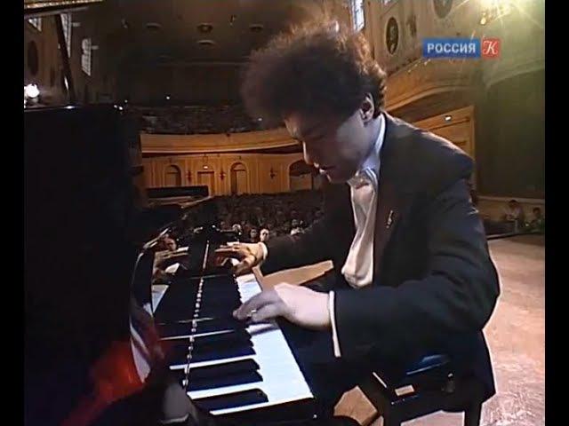 Evgeny Kissin plays 8 Chopin Etudes op. 10 op. 25 - video 2009
