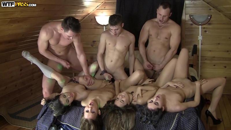 Порно фотографий групповое снять