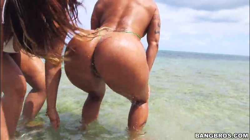 Asstastic Day At the Beach Spicy J, Miss Raquel (latina, RK,