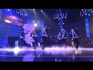 vidmo_org_JabbaWockeez-_RoBoT_ReMaInS_best_dance_ever__382524.0