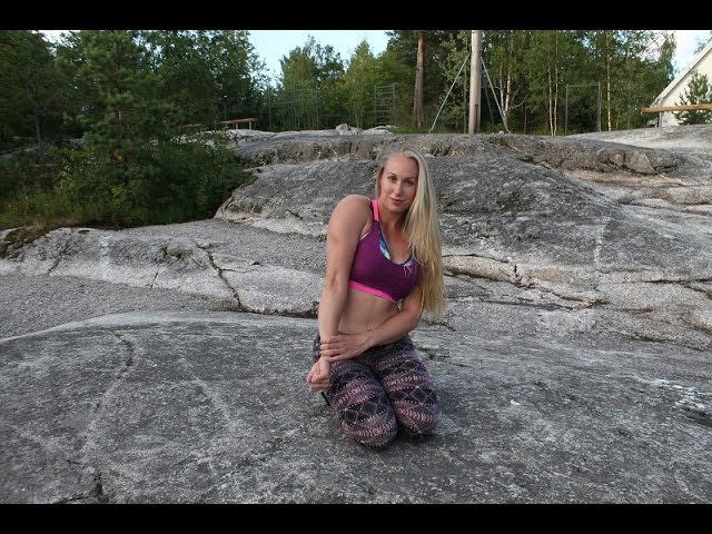 CALISTHENICS WORKOUT-NORWEGIAN GIRL