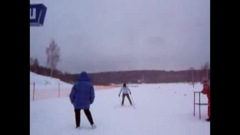 первый раз на лыжах мой апупительный финишь