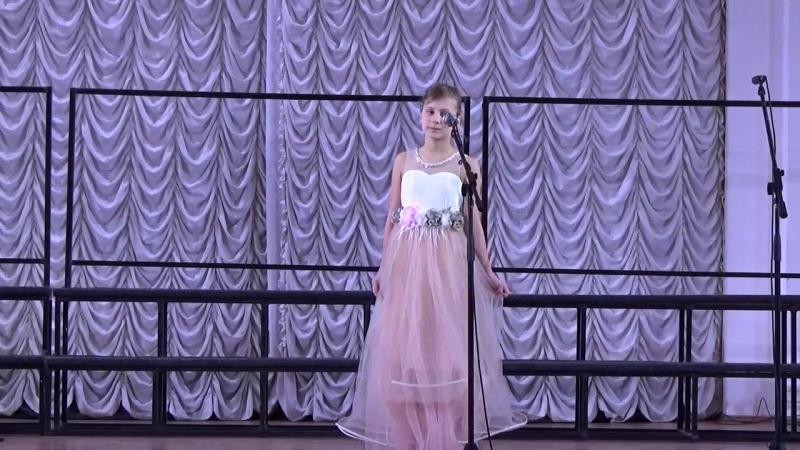 из концерта в Белом зале Политеха (соло)