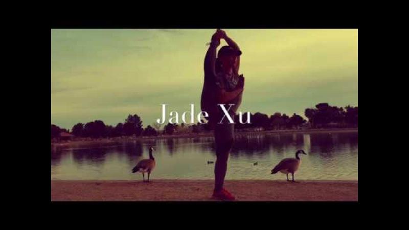 Jade Xu Patience in Martial Arts Standing Split 1 minute