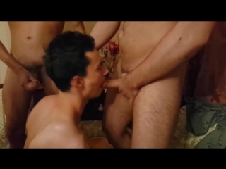 Порно Геи Пустили По Кругу
