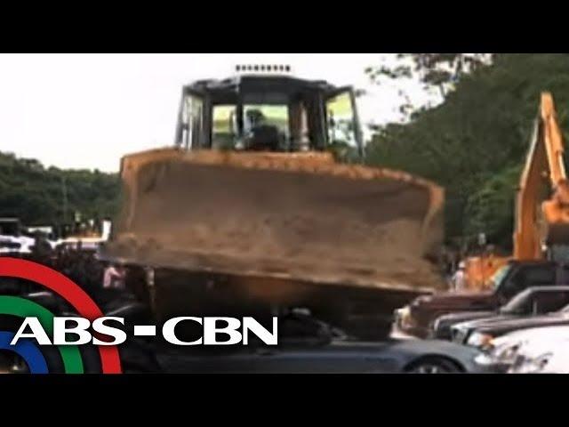 Bandila: P27-M halaga ng smuggled luxury vehicles, winasak