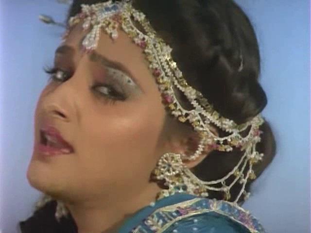 индийский фильме Дом чужих людей Paraya Ghar 1989