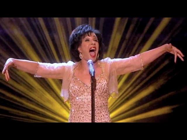 Shirley Bassey - GOLDFINGER (2011 Live)