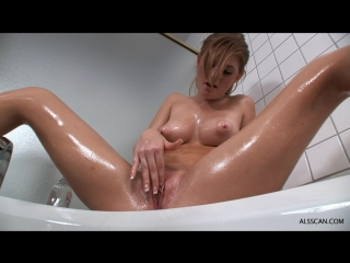 Girls hot girls masturbating with oil juanita