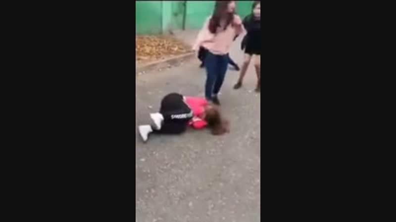 5 малолетних шкур избили свою сверстницу и сняли всё на видео 14 смотреть онлайн без регистрации