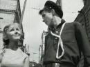 Валентина Дворянинова - Пусть летят они, летят... Ролик Прощайте, голуби! (1960), актёры Алексей Локтев и Светлана Савёлова.