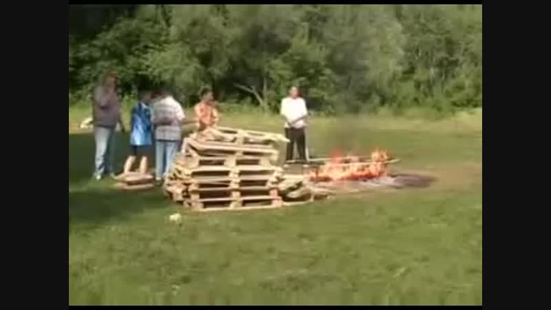 Иляна Ушакова-Я мыла пол,набрав ведро воды