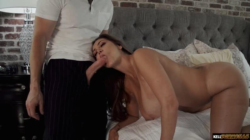 Зрелая женщина трахает молодого любовника, woman mom milf mature busty