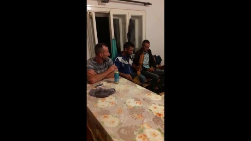 Черногорцы поют народные песни 2