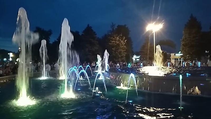 Шоу музыкальных фонтанов в Анапе 30.07